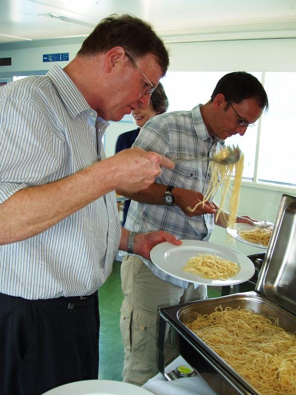 Spaghetti Schiff Vierwaldstättersee